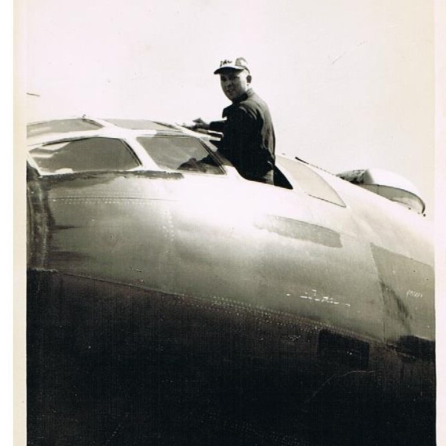 Image (919) Euell Cleaning His Windows (Capt. Frazier - 1st pilot)